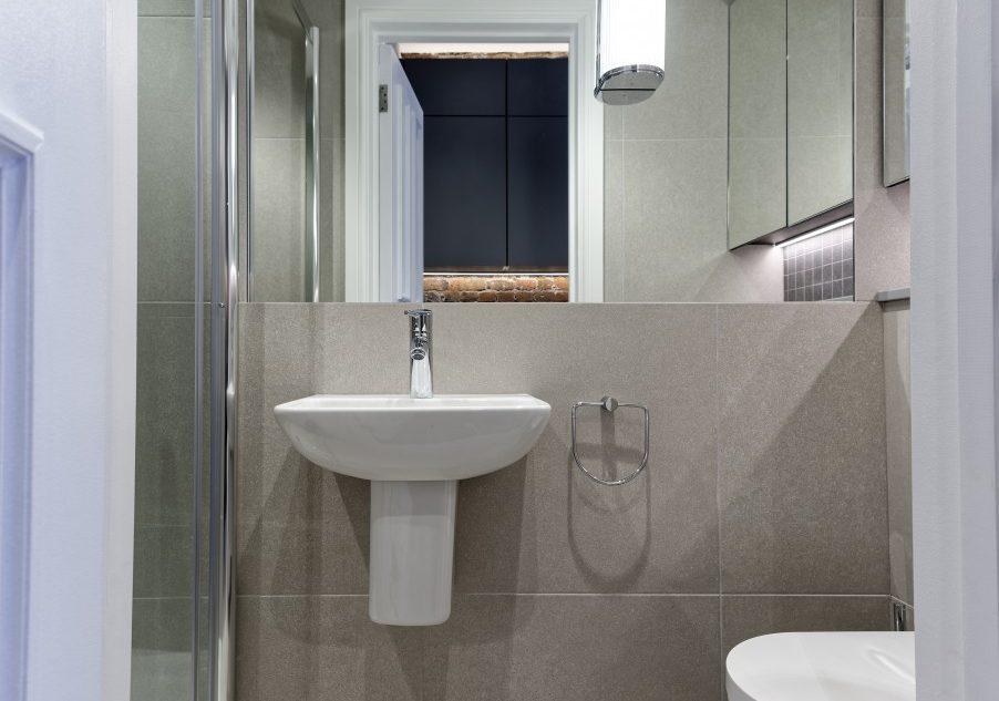 Bathroom 21-34