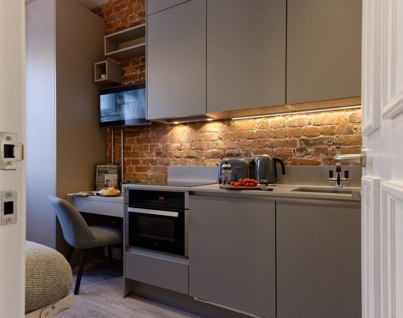 Apartment 21-34 kitchen